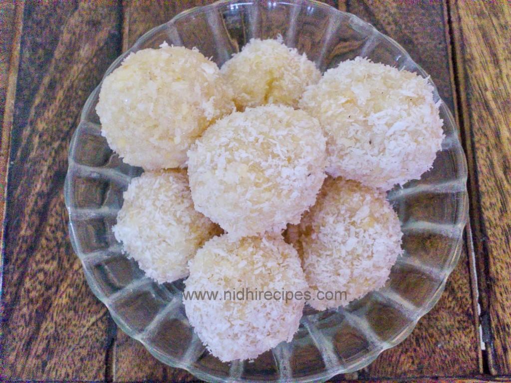 Mawa Coconut Ladoo